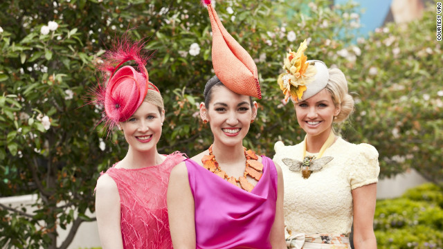Last year's &quot;Fashions on the Field&quot; winner Angela Menz (center) with finalists Alex Foxcroft and Louise Struber.