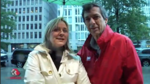 Lauren Ashburn and Howard Kurtz in the rain.