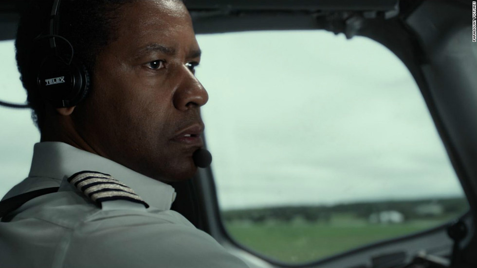 In &quot;Flight,&quot; Denzel Washington plays a pilot at the center of a disastrous airplane malfunction.