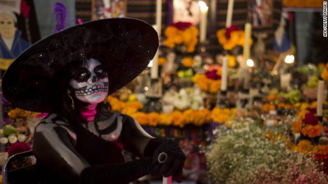Altares mexicanos, tradición viva para los muertos