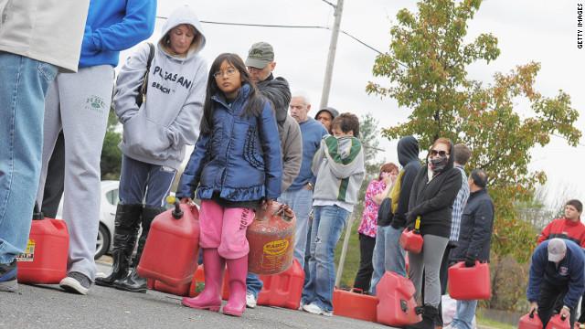 Falta de electricidad y bajas temperaturas complican la recuperación de Sandy