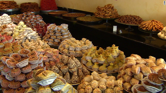 &quot;La Bague de Kenza&quot; has been making Algerian pastries for 17 years. In the early days, Parisians mistook the sweets for Moroccan or Tunisian food they were more familiar with.