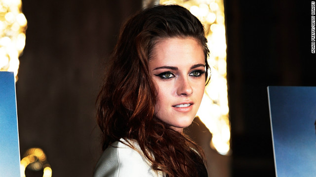 Kristen Stewart on Rob, romance: Keep 'em guessing