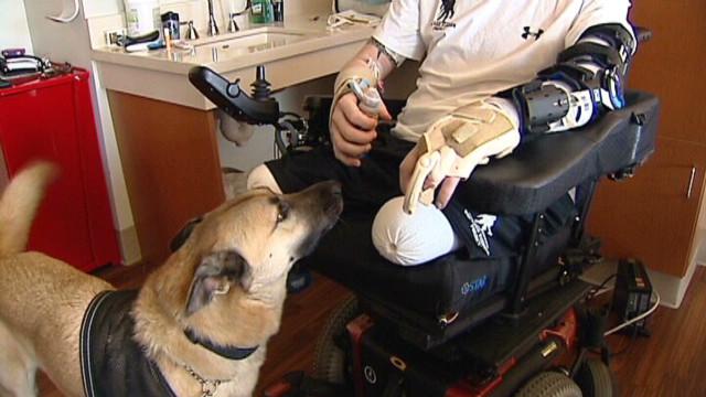 Los veteranos de guerra de EE.UU. hallan consuelo en sus perros
