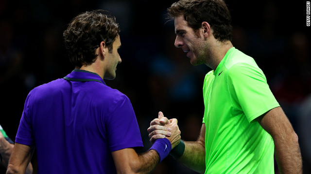 Del Potro beats Federer in London