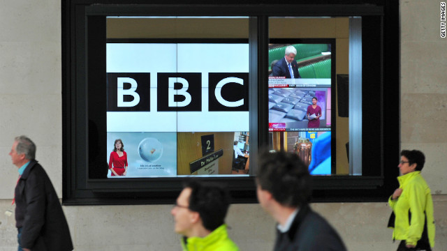 The BBC will pay British politician Lord Alistair McAlpine 185,000, to settle his libel claim.