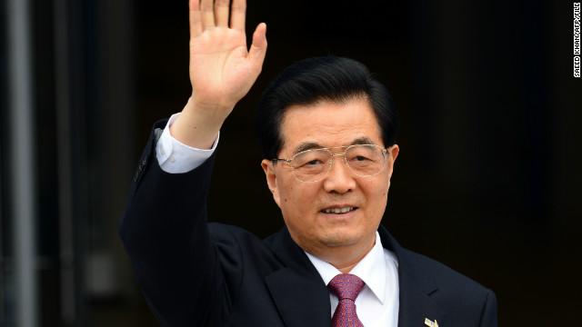 Chinese President Hu Jintao arrives to attend an APEC summit in the Russian city of Vladivostok on September 8, 2012.