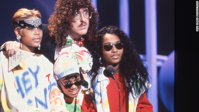 TLC and &quot;Weird Al&quot; Yankovic presented the award for favorite soul/R&amp;amp;B new artist to Kris Kross in 1993.