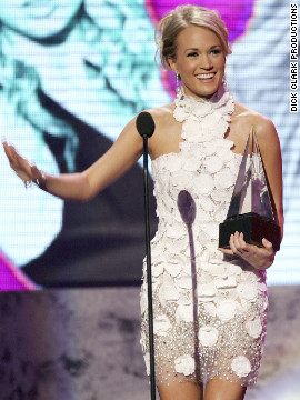 Carrie Underwood presented the award for breakthrough artist to Daughtry in 2007.