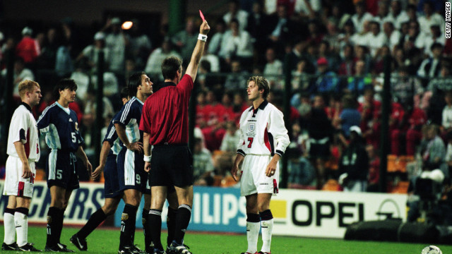 At the 1998 World Cup in France, in a second-round match against Argentina, Beckham was sent off for kicking out at Diego Simeone. England lost the match on penalties and was eliminated, with Beckham becoming a hate figure for some fans.