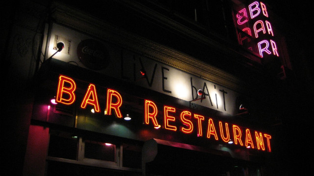 At Manhattan's Live Bait Bar on East 23rd St. a circa 1941 sign beckons patrons<!-- -->.</br><!-- --> </br>