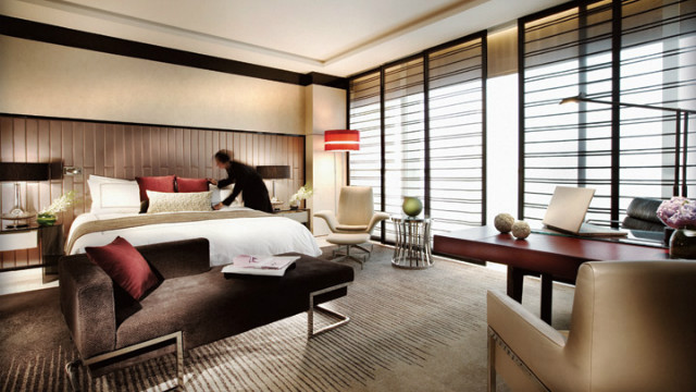 The Four Seasons Pudong is located in Shanghai's financial district, on the east side of the bustling Huangpu River.