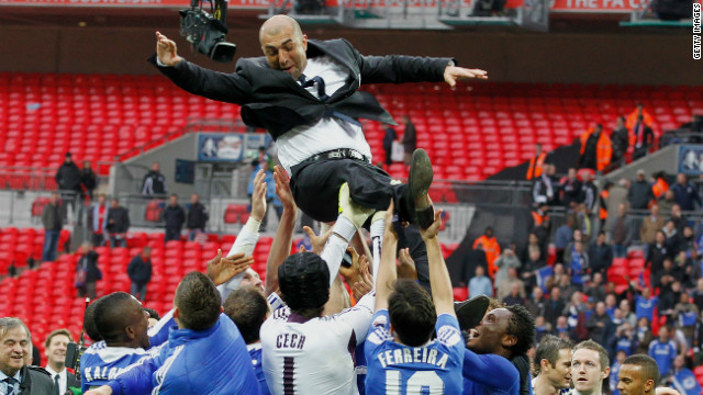 After beating Tottenham Hotspur in the semfinals, Di Matteo led Chelsea to an FA Cup triumph by beating Liverpool 2-1 in the final.