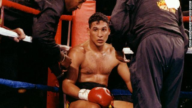 """""""Para mí no está vivo"""", dice la madre del 'Macho' Camacho sobre el boxeador"""