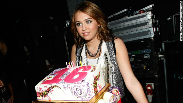 Cyrus' 16th birthday coincided with the American Music Awards in 2008, and she celebrated with a cake and friends backstage.