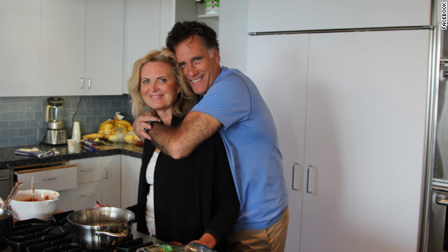 Photo: Romney&#039;s laid-back Thanksgiving