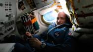 Un astronauta inicia una misión espacial histórica