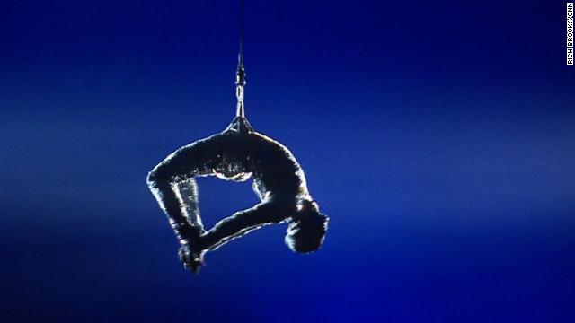 Las acrobacias de una estrella del Cirque du Soleil contra las lesiones y las drogas