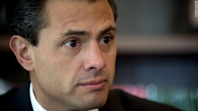 Alrededor de 70 profesores en México ganan más que el presidente Enrique Peña Nieto