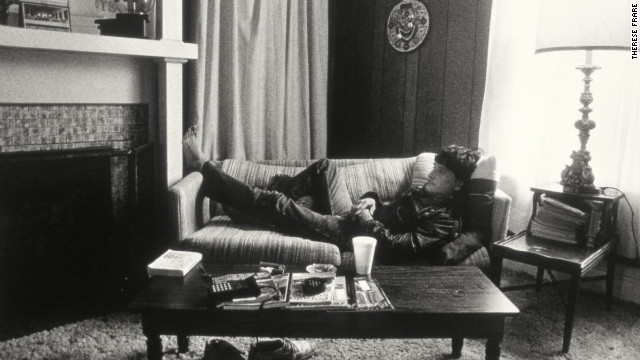 Peta relaxes in a home rented by Pater Noster House in 1991. After using Frare's image in an advertisement for AIDS awareness, United Colors of Benetton donated money to Pater Noster, which in turn paid for furnishings for Peta and other patients.