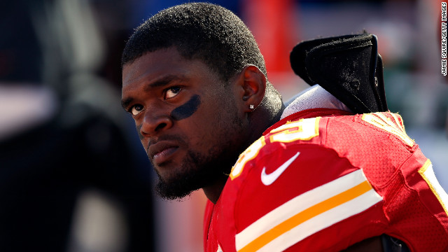 Police: NFL Chiefs player commits suicide after killing girlfriend