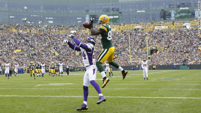 James Jones of the Green Bay Packers makes a 32-yard touchdown reception against A.J. Jefferson of the Minnesota Vikings on Sunday.
