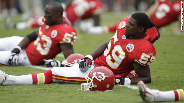 Belcher stretches before the game against the Oakland Raiders at Arrowhead Stadium on September 20, 2009, in Kansas City.