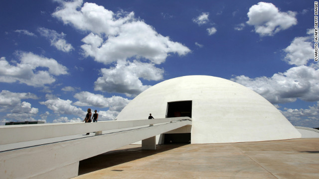 The National Museum of the Republic in Brasilia was inaugurated in 2006, on Niemeyer's 99th birthday. The museum, which is also known as National Museum Honestino Guimarães, was <a href=' http://www.brasil.gov.br/brasilia-english/tourist-guide/cultural-tourism/national-museum/br_model1?set_language=en' target='_blank'>named after a student</a> by that name who fought for democracy and disappeared.