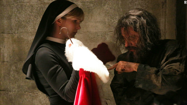 One bad Santa on 'American Horror Story'