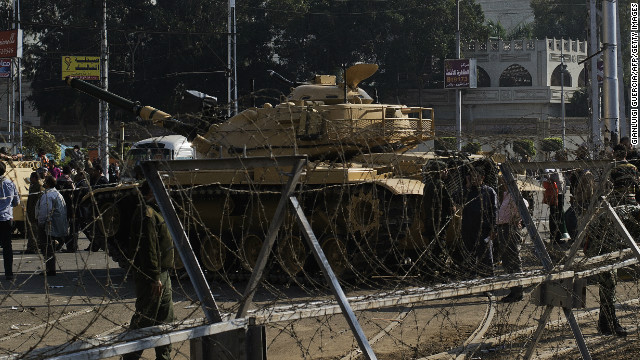 Need to Know News: Tanks deployed near presidential palace after Egypt protests; Key GOP senator breaks ranks on fiscal cliff