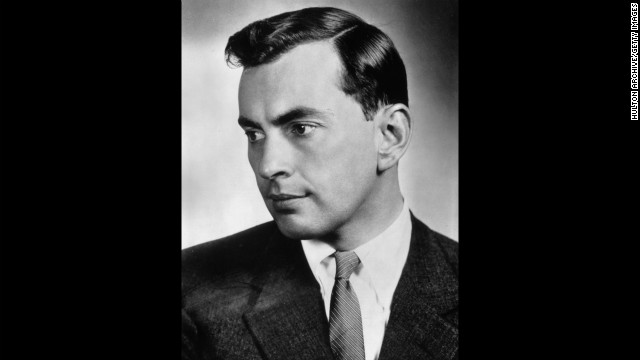Writer <a href='http://www.cnn.com/2012/08/01/showbiz/gore-vidal-death/index.html' target='_blank'>Gore Vidal</a> died July 31 of complications from pneumonia, a nephew said. He was 86.