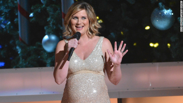 Sugarland singer gives birth to son