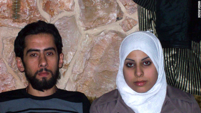Mohammad Jumbaz and Ayat Al-Qassab got married in Syria despite the violence around them.