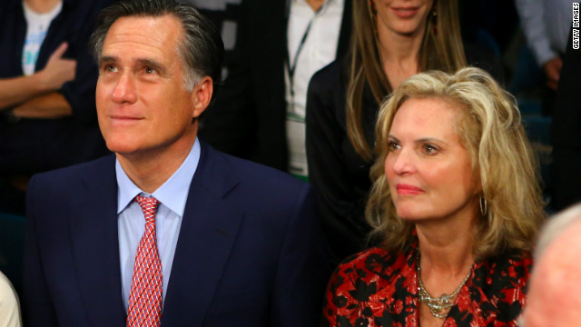 Romney spotted ringside at Marquez-Pacquiao fight