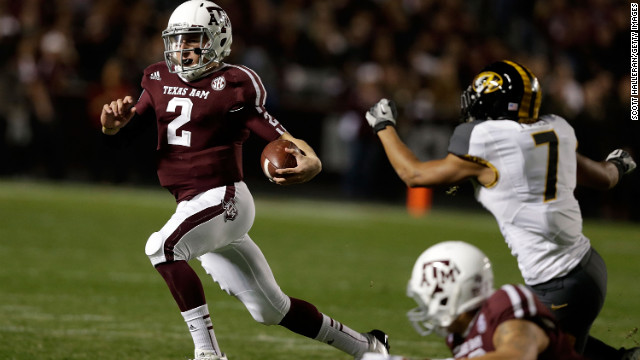 Manziel rushes for a gain during the game against the Missouri Tigers at Kyle Field on November 24 in College Station, Texas.