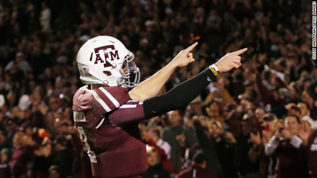 Johnny Manziel celebrates a third quarter touchdown during the game against the Missouri Tigers on November 24.