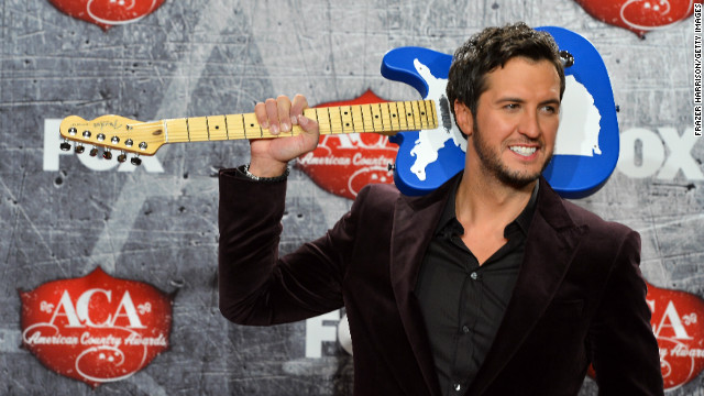 American Country Awards: Luke Bryan wins 9, Carrie Underwood sets a record