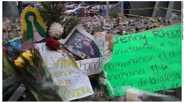 """Adiós, mariposa de barrio"", dicen fans a Jenni Rivera en Monterrey"