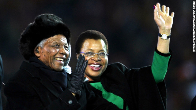 Nelson Mandela to spend Christmas in hospital, government says