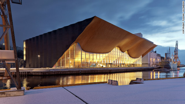 The Kilden Theatre overlooks the harbour of Kristiansand in Norway. Its bold sculptural ceiling was designed using techniques from traditional boat construction.<br/><br/>© <a href='http://www.uusheimo.com' target='_blank'>Tuomas Uusheimo</a>