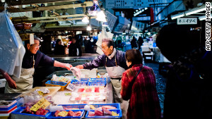 Tokyo\'s Tsukiji fish market handles approximately 3,000 tons of fish and other seafood per day.