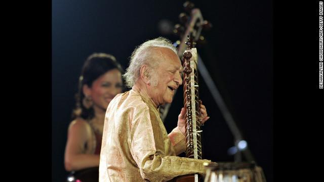 Ravi Shankar, el virtuoso del sitar, recibirá un Grammy póstumo