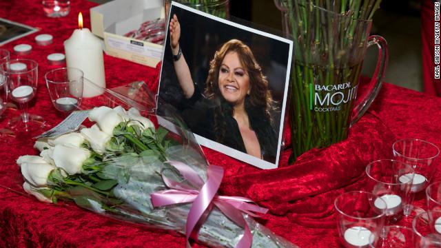 La DEA investiga a la empresa dueña del avión en el que murió Jenni Rivera