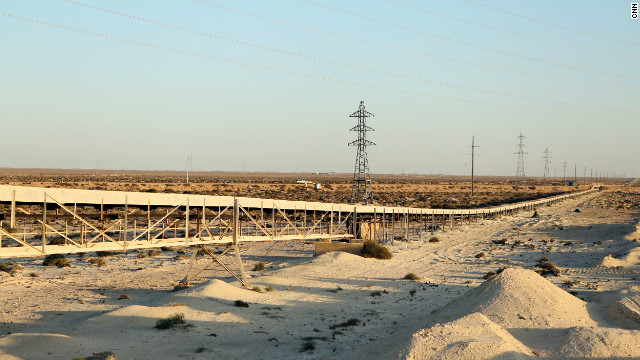 The world's longest conveyor belt connects the Bou Craa phosphate mine to a shipping port south of the city of Laayoune. Many accuse Morocco of illegally extracting phosphate from the disputed territory of Western Sahara.