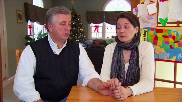 Padres enfrentan la difícil tarea de explicarles a los niños la muerte de sus compañeros