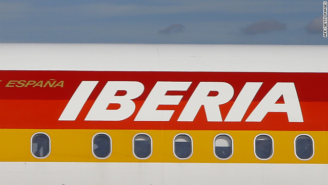 Still on IAG's Iberia, it will lose 4,500 jobs in a cost-cutting effort after losing 262 million (US$340 million) through September.