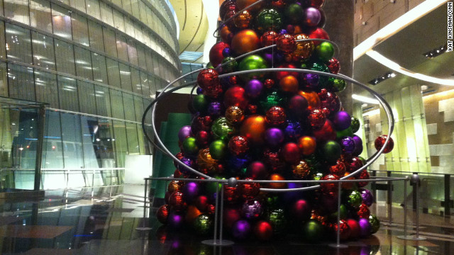 Holiday decor in Las Vegas, Nevada ranges from the posh to the perfunctory. Here's a little drive around town, starting with the mammoth tree at the entrance to the Aria casino. 