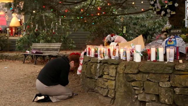 Newtown se prepara para una semana más de despedidas a sus víctimas inocentes