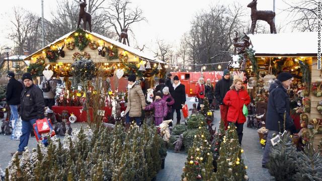 You can gorge on a multi-course Christmas smorgasbord as Gothenburg's market.