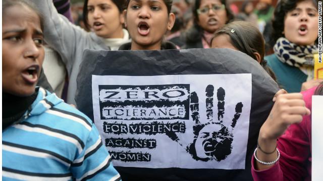 India tendrá más mujeres policías tras violación y asesinato de una joven